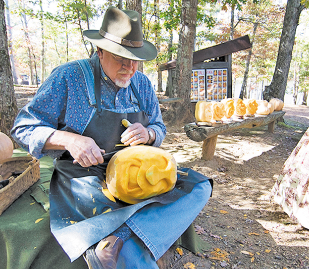 5-the-pumkin-carver-at-festival-hart-square