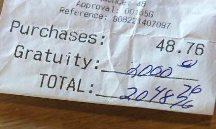 Maine Restaurant Customer Leaves $2000 Tip For Staff