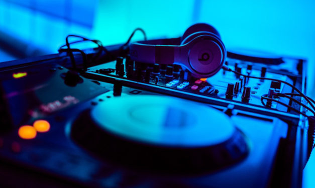 How To DJ Class For Teens At Ridgeview Library On Nov. 30