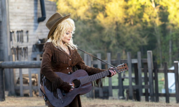 Dolly Parton's Heartstrings Show Spotlights Her Mountain Home