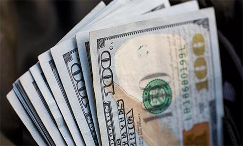 Man Leaves $3K Tip For A Beer As Restaurant Closes For Virus