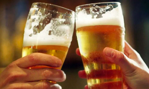 Florida Couple Offers Free Beer As Way To Meet The Neighbors