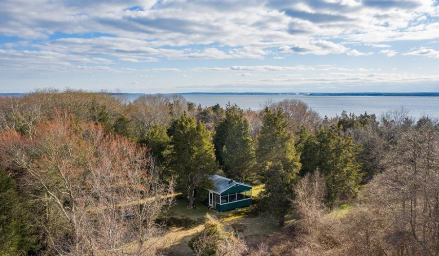 Zero Patience For Others? Small  Island's Only Home Hits Market