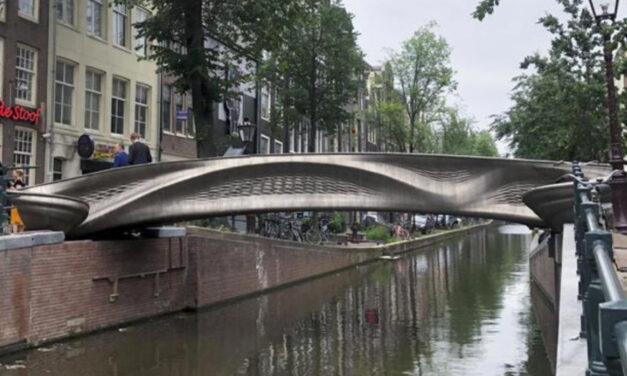 Dutch Queen And Robot Open 3D-Printed Bridge In Amsterdam